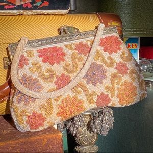 1950's granny purse- beaded floral with pearl deco